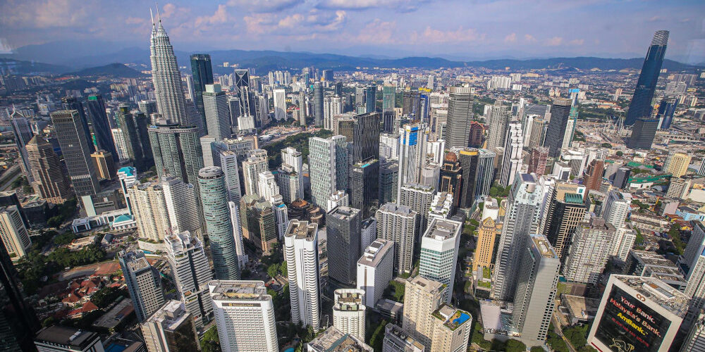 Malaysia's Economic Recovery Remains Elusive without Clear Plans to Address Downside Risks