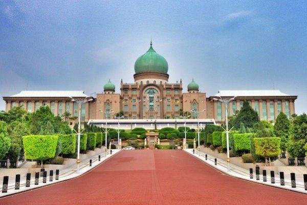 Perdana-Putra-in-Putrajaya-Malaysia